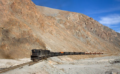 Orange rocks (david_gubler) Tags: chile train railway llanta potrerillos ferronor