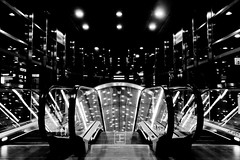 Lights (Jesus_Fernandez) Tags: urban bw underground lights luces metro poland symmetry bn warsaw urbano polonia warszawa blackdiamond varsovia simetra stealingshadows