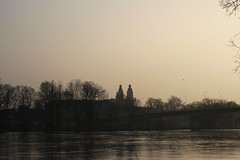 09:52 - Tours (graphsman) Tags: trees france river cathedral cathdrale arbres tours paysage loire loirevalley goldenhour fleuve