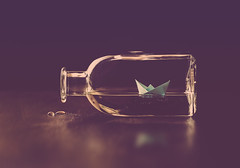 Bottled sea (cristina.g216) Tags: wood sea paper boat mar drops bottle still madera barca mint gotas bodegn botella bote