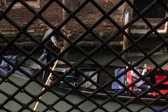 IMG_3189 (Matteo Scotty) Tags: muro canon il persone le cielo gondola acqua venezia sotto palazzi dietro 2016 sbarre canali