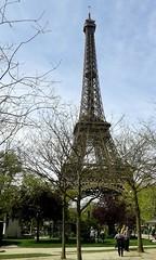 Quand je reviens (martini_bianca) Tags: paris spring torre tour eiffel mai eiffelturm maggio frhling parigi martinibianca
