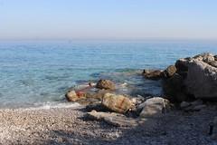 Ile de Capri (mathildepoupin) Tags: voyage travel blue sun mer beach montagne capri vacances soleil holidays paradise italia ile bluesky bleu amis plage bonheur italie paradis isola chaleur baignade baigner