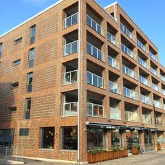 Hollndareplatsen 6 (hansn (2 Million Views)) Tags: red building architecture modern gteborg square sweden contemporary bricks gothenburg housing sverige goteborg blockofflats squarish bildstrom