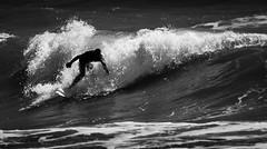 (kararos) Tags: shadow surf surfer surfero