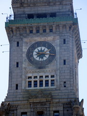 Clock of Tower of Custom House (Autistic Reality) Tags: usa building tower boston architecture america buildings ma hotel us unitedstates massachusetts unitedstatesofamerica towers structures structure hotels custom neoclassical customs greekrevival customhouse customhousetower suffolkcounty commonwealthofmassachusetts cityofboston ammiyoung mckinleysquare customhouses ammiburnhamyoung peabodyandstearns neoclassicalstyle ammibyoung trojungbrannen jungbrannenassociatesinc