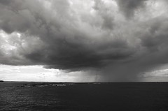 Grain (Atreides59) Tags: sea bw mer k 30 clouds boat pentax nuages bateau atreides k30 pentaxart atreides59 cedriclafrance