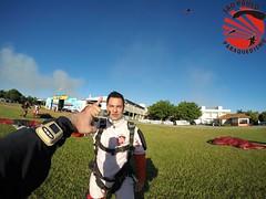 G0064433 (So Paulo Paraquedismo) Tags: skydive tandem freefall voo paraquedas quedalivre adrenalina saltar paraquedismo emocao saltoduplo saopauloparaquedismo
