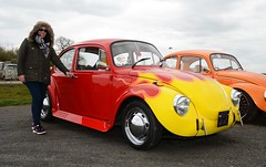 Carmen & Classic Beetle (Fast an' Bulbous) Tags: santa england people woman hot sexy classic girl car vw volkswagen pod nikon automobile outdoor beetle gimp mature german vehicle oldtimer aircooled d7100