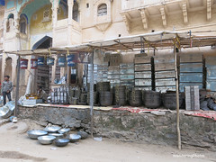 Silver-coloured kitchenware for sale - Pushkar Rajasthan India (WanderingPhotosPJB) Tags: india silver pots pushkar img rajasthan pans kitchenware