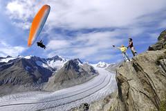 Gleitschirmfliegen-Sommer-Aletsch-Arena-6-(c)valaiswallispromotion (aletscharena) Tags: schweiz wallis aletschgletscher gleitschirm unescowelterbe gleitschirmfliegen aletscharena aletscharenach