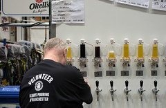 Always Pouring (Mike Serigrapher) Tags: beer festival manchester always pouring sans biere 2016 frontires