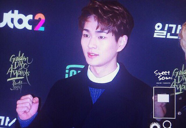 160121 Onew @ Golden Disc Awards 24460871981_3a7f1606f3_z