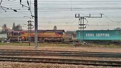 Locomotive Crew Change at Peterborough. (ManOfYorkshire) Tags: china train diesel railway container staff crew change locomotive shipping peterborough freight drivers dbs changeover class66 ews pbo dbschenker
