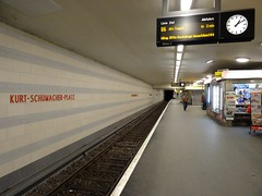 Berlin - U-Bahnhof Kurt-Schumacher-Platz (IngolfBLN) Tags: berlin station germany underground subway deutschland metro ubahnhof ubahn pnv bvg reinickendorf u6 kurtschumacherplatz