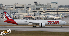 TAM Linhas Areas   Boeing 777-32WER   PT-MUG   S/N:38888   L/N:1052 (Winglet Photography) Tags: travel brazil brasil plane canon airplane flying airport florida miami aircraft aviation south transport flight jet landing transportation airline mia 7d fl boeing arrival dslr airlines 777 tam spotting airliner stockphoto jetliner 773 1052 planespotting 2016 777300 kmia 77w 38888 tamlinhasareas 77732wer wingletphotography georgewidener georgerwidener ptmug