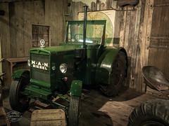 Vintage Farm Technology (spline_splinson) Tags: tractor man de deutschland rust traktor transportation antiquetractor oldtechnology oldtractor badenwrttemberg vintagefarmequipment uhldingenmhlhofen
