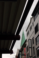 Holstenstrae Kiel (Rdiger Stehn) Tags: germany deutschland europa stadtmitte stadt bauwerk gebude kiel schleswigholstein nikolaikirche 2000s norddeutschland 2016 kirchturm mitteleuropa stadtzentrum profanbau 2000er canoneos550d kielaltstadt