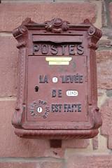 Ancienne bote aux lettres  Collonges-la-Rouge (Limousin, Corrze, France) (bobroy20) Tags: france corrze limousin bote courrier boteauxlettres collongeslarouge courrierpostal