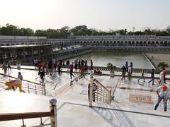SikhTempleNewDelhi013 (tjabeljan) Tags: india temple sikh newdelhi gaarkeuken sikhtemple gurudwarabanglasahib
