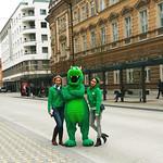 Utrinki s promocij NK Olimpija. Nagradne igre v centru Ljubljane s hostesniki Agencija 22