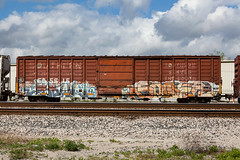 (o texano) Tags: bench graffiti texas houston trains sws d30 ghoul wh freights soner a2m benching adikts