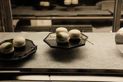 white macaron (HAMACHI!) Tags: light food japan architecture night 35mm tokyo ginza sweet fujifilm maccha yurakucho macaron 2016 mutsukari xf35mmf2rwr fujifilmxpro2 白いマカロン tokyuplazaginza