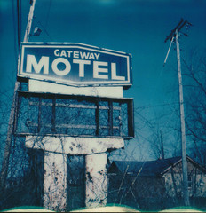 vacancy (Lisa Toboz) Tags: ohio abandoned polaroid sx70 warren instantfilm highway11 gatewaymotel impossibleproject polaroidweek2016