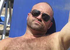 IMG_1142 (danimaniacs) Tags: shirtless hairy man hot sexy guy beach armpit beard bald stud scruff mansolo
