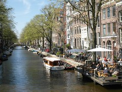 Egelantiersgracht - Amsterdam. (Flyingpast) Tags: street travel blue trees vacation sky people holiday holland building tree tourism public water netherlands sunshine amsterdam weather architecture outdoors boat canal spring cafe nice europe pretty houseboat sunny tourists prinsengracht waterway jordaan egelantiersgracht capitalcity wb2000 tl350