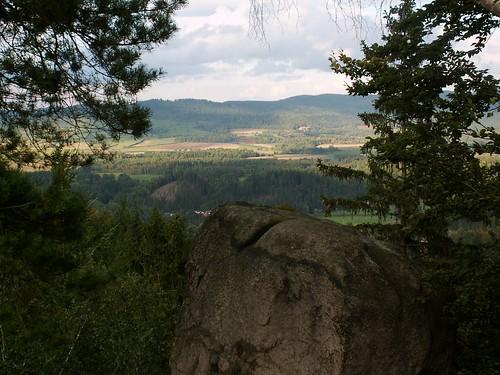 Góry Kaczawskie z punktu widokowego na Husyckich Skałach w Sokolikach