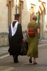 Ben, on est  Oxford hein ! (mistigree) Tags: oxford angleterre tudiant toge
