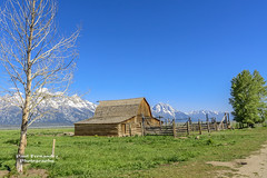 John Moulton Barn in Context, Mormon Row at Grand Teton National Park, Wyoming (D200-PAUL) Tags: barn nationalpark wyoming tetons grandteton grandtetonnationalpark thetetons historicbarn moultonbarn johnmoultonbarn paulfernandez