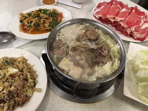 清燉涮羊肉火鍋, 羊肉炒飯, 九層羊肚, 莫宰羊, 莫宰羊精緻羊肉料理, 台北