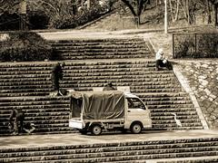 Shashin - DSCN3332 (Mathieu Perron) Tags: life city bridge people bw white black monochrome japan nikon kyoto noir perron daily nb journey   mp blanc japon personne ville gens vie mathieu   sjour   quotidienne      p520  zheld