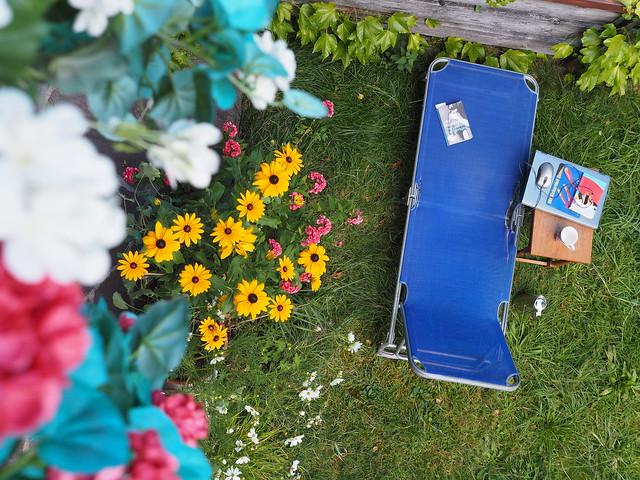 Blue Deck Chair Sunbed Garden Summer - Liegestuhl Garten Sommer