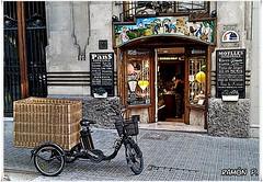 Panaderia---(Bakery) (# RAMN Mortadelo #) Tags: barcelona calle bicicleta bakery panaderia cesta mortadelo65pp