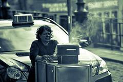 Vendedora das Castanhas (feryl27) Tags: street cidade portugal retrato taxi mulher porto rua invicta oporto senhora fumo castanhas