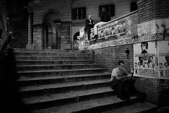 Roma, Italia (mafate69) Tags: street portrait bw rome roma men night europe italia noiretblanc candid documentary eu nb rue nuit italie hommes reportage streetshot documentaire photoreportage europedusud blackandwhyte streetlevelphoto mafate69 trastrevere
