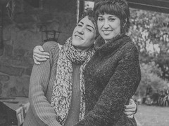 ... hermanas!!! / ... sisters!!! (Fede Falces ( ...... )) Tags: girls friends portrait people blackandwhite bw woman beautiful sisters vintage couple pretty oldstyle retrato grain young noise cinematic hermanas