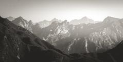 Ausblick von der chinesischen Mauer (j.kopka) Tags: china natur berge chinesische aussicht landschaft ausblick mauer fernblick berggipfel
