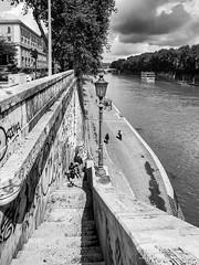 Scala per Lungotevere da Piazza Trilussa (Fabio Gentili Photography) Tags: bw white black rome roma olympus bn ponte tevere lungotevere sisto zuiko714 omd5