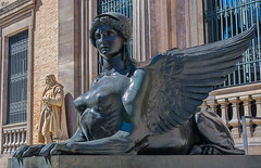 La Esfinge... (Leo ) Tags: madrid man arquitectura esfinge escultura museo xix museoarqueolgiconacional berruguete franciscojareo felipemoratilla antonioruizdesalces celestinogarcaalonso