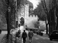 Orvieto_050_7518 (Dubliner_900) Tags: bw monochrome streetphotography olympus umbria biancoenero orvieto micro43 mzuikodigitaled75mm118 omdem5markii