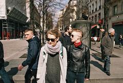 Sans titre (Guy Le Guiff) Tags: street paris color film naked riot strada dino streetphotography soul frame p 121 stolen another grime unposed rue argentique csp hcb