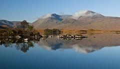 lochan na h-achlaise (ela dzimitko) Tags: autumn scotland lochaber rannochmoor lochan