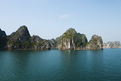 Ha Long Bay #4 (desomnis) Tags: ocean travel cliff island bay coast landscapes asia southeastasia cliffs vietnam limestone traveling halong halongbay islets limestonecliffs canon6d desomnis