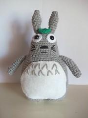 Nueva versin de Totoro (Miss Carlaina Love!) Tags: art kids toys design knitting dolls handmade crochet totoro miyazaki amigurumi