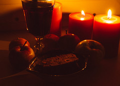 Yule (zeitenlicht1) Tags: winter light red composition canon candles shadows wine solstice yule apples stillife jol pagan canon70d