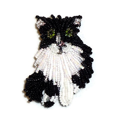 TUXEDO Black Bi-Color Cat beaded keepsake pin pendant brooch (The Lone Beader) Tags: cats pets fashion necklace beads amazon embroidery fancy bead etsy beading beaded pendant beadwork seedbeads beadembroidery catjewelry